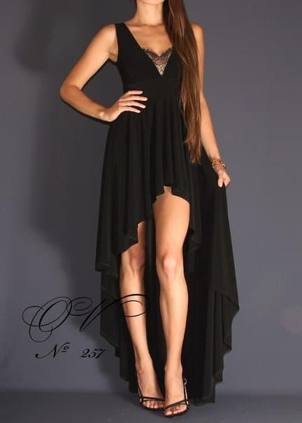 Черное платье впереди короткое