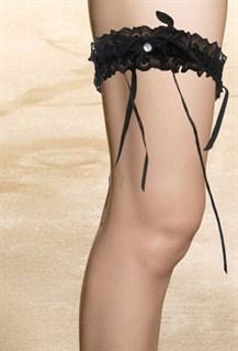 Черная подвязка на ногу