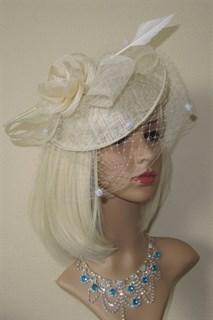 Шляпка Элеонора с вуалью. Молочная