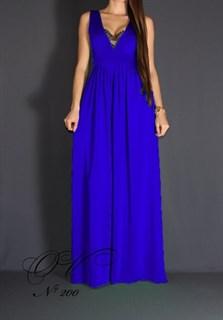 Синее платье в пол с глубоким декольте и кружевом. 200