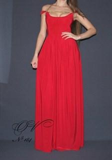 Красное длинное платье с цепочкой. 184