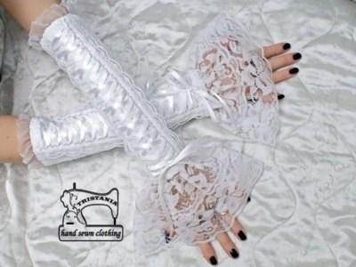 Кружевные перчатки с ленточной шнуровкой