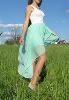 Шифоновое платье цвета минт с ассиметричной юбкой