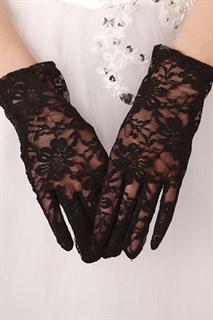 Черные короткие гипюровые перчатки