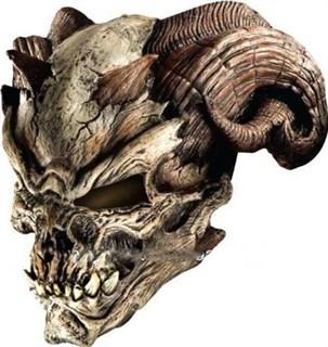 Маска черепа с бараньими рогами