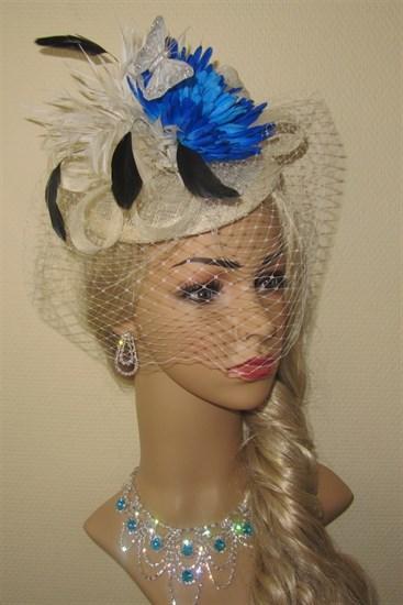 Шляпка Сандра с вуалью и синим цветком - фото 11328