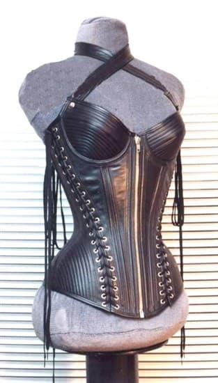 Корсет из кожи на молнии со множеством шнуровок - фото 12180