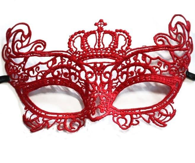Кружевная маска красной королевы - фото 15599