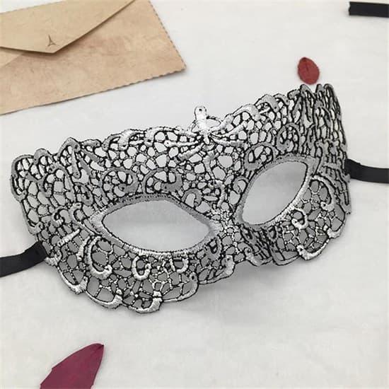 Шикарная черная кружевная маска. Серебро - фото 15635