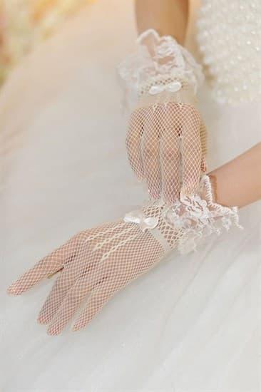 Короткие белые перчатки в сетку с рюшей - фото 17556