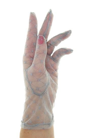 серые короткие перчатки в сетку