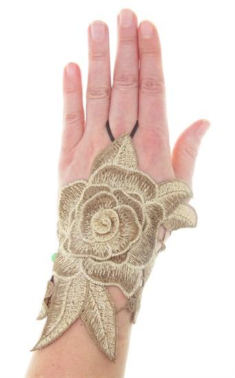 Бежевые митенки из вязаного кружева с цветами 3D ручной работы