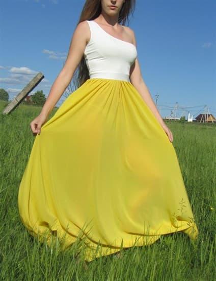 Ярко-желтое платье на одно плечо - фото 6517