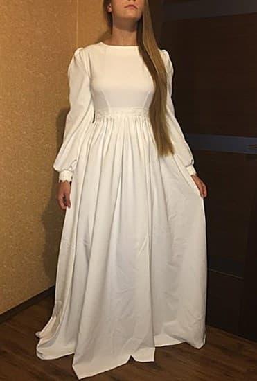 Белое платье с широким рукавом и кружевом - фото 9050