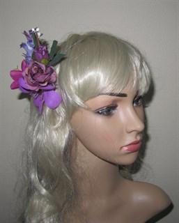 Фиолетовый букетик цветов в прическу 2394