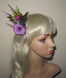 Фиолетовый букетик цветов в прическу 2395