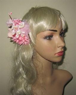 Нежно-розовый букетик цветов в прическу 2399