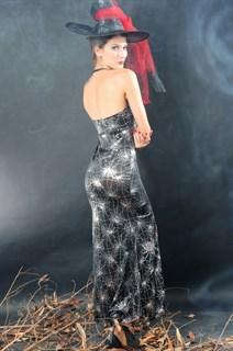 Сексапильная колдунья в черном платье в пол с разрезом - фото 12061