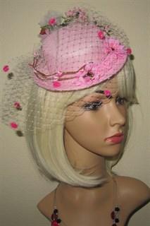 Розовая шляпка цилиндр с цветами Флора