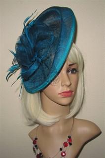 Большая плетеная шляпка на заколке Диана. Цвет морской волны