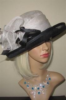 Летняя шляпа из синамей белая с черными полями