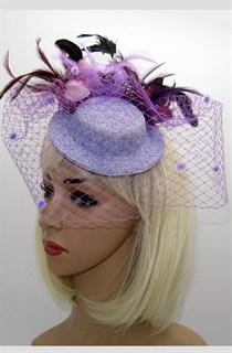 Фиолетовая шляпка с вуалью и перьями Фелисити