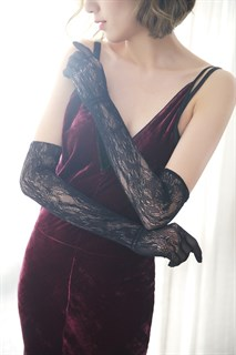Длинные черные перчатки, тонкое вязаное кружево