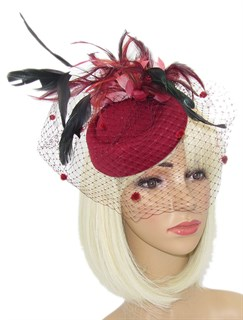 Шляпка с вуалью и перьевыми цветами Жанет. Бордо