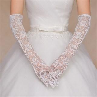 Длинные перчатки белый гипюр