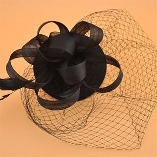 Шляпка таблетка с вуалью Линда. Черная