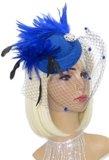 Синяя шляпка с вуалью с шикарными перьями