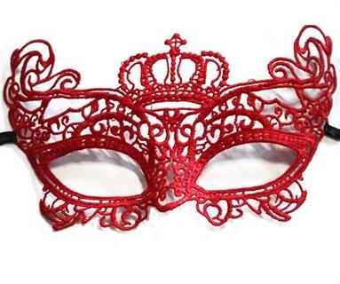 Кружевная маска красной королевы