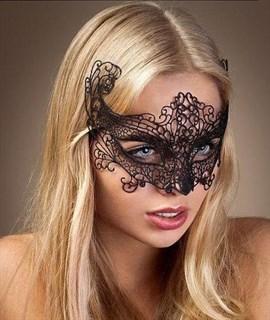 Серебристая широкая кружевная маска на глаза - фото 15612