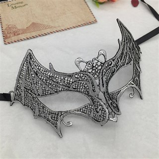 Кружевная маска летуей мышки. Серебро