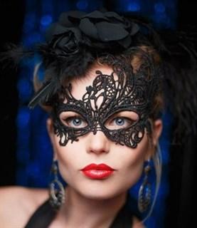 Шикарная ассиметричная кружевная маска. Серебро - фото 15636