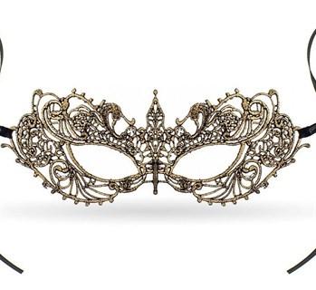 Кружевная маска бабочка. Золотая