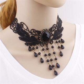 Черное кружевное ожерелье