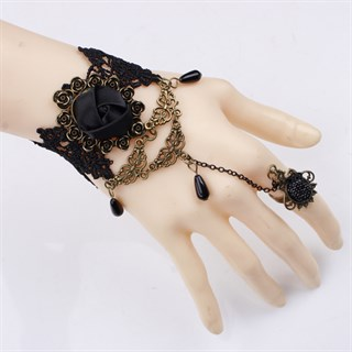 Черный кружевной браслет
