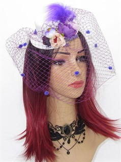 Мини цилиндр с вуалью и фиолетовыми цветами
