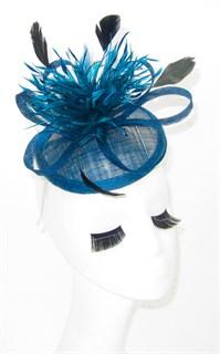 Шляпка-таблетка с перьями Сандра цвета морской волны