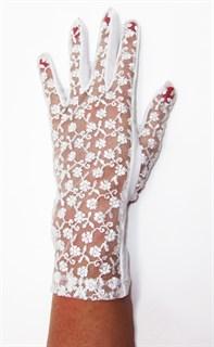 Трикотажные перчатки с кружевом. Белые