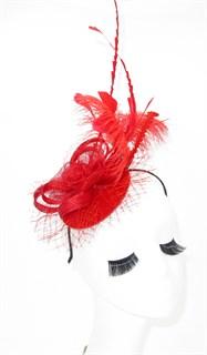 Красная шляпка таблетка с длинными перьями