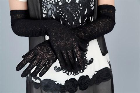 Длинные черные перчатки из плотного кружева - фото 16829