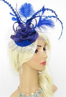Ярко-синяя вуалетка с длинными перьями