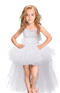 Белое платье из фатина со шлейфом