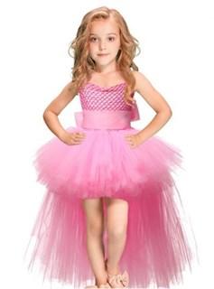 Розовое платье из фатина со шлейфом