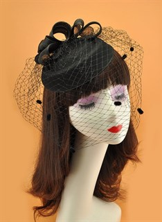 Шляпка с вуалью Жанна. Черная