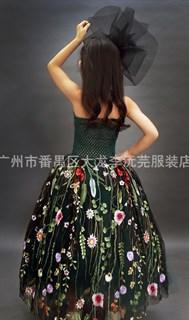 Темно-зеленое пышное платье в пол из фатина с цветами - фото 17958