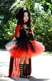 Черное пышное платье маленькой пиратки со шляпой - фото 17986