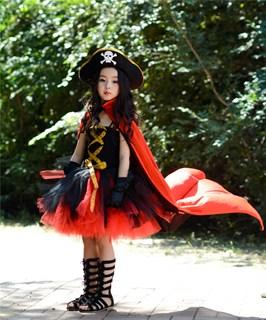 Черное пышное платье маленькой пиратки со шляпой - фото 17988